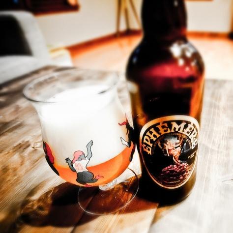Фруктовое пиво. Unibroue Ephemere Cranberry. Обзор пива.