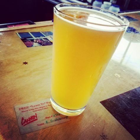 Как правильно наливать пиво?