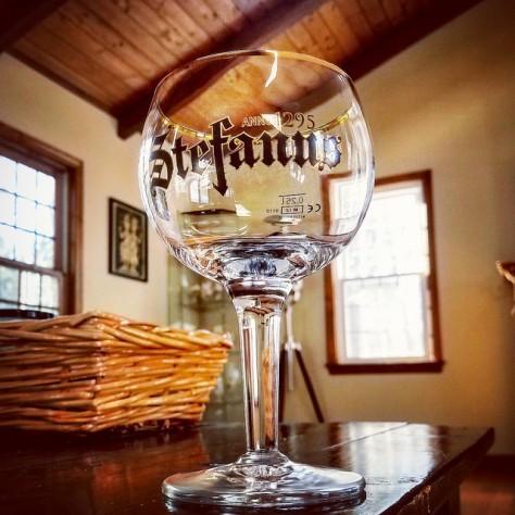Правильный бокал для квадрупелей. Stemmed Abbey Goblet.