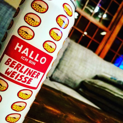 Кислое пиво. Mikkeller Hallo Ich Bin Berliner Weisse Peach. Подробный обзор.