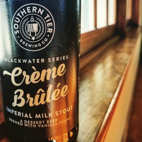 Southern Tier Crème Brûlée Imperial Milk Stout (Blackwater Series). [Обзор пива].