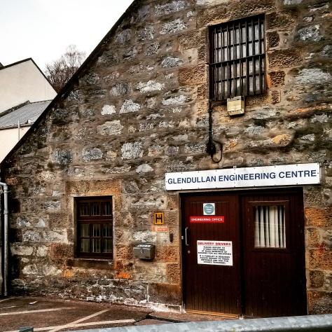 Дистиллерия Глендаллан. Glendullan Distillery.